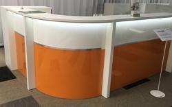 Empfangstheke AS-LINE in Hochglanz weiß und orange mit LED-Beleuchtung